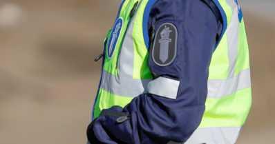 Humalainen ohjasi autonsa poliisia kohti – epäillään murhan yrityksestä