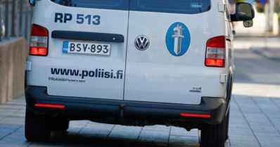 Poliisia piileskelevä moottoripyörävaras roikkui parvekkeelta – pudotusta maahan oli yli 20 metriä