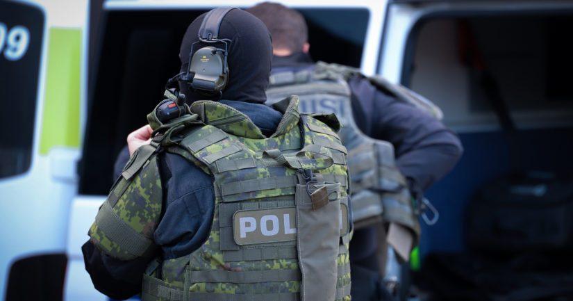 Poliisilla oli 7.6. useita operaatioita eri poliisilaitosten alueella liittyen epäiltyihin huumausainerikoksiin.