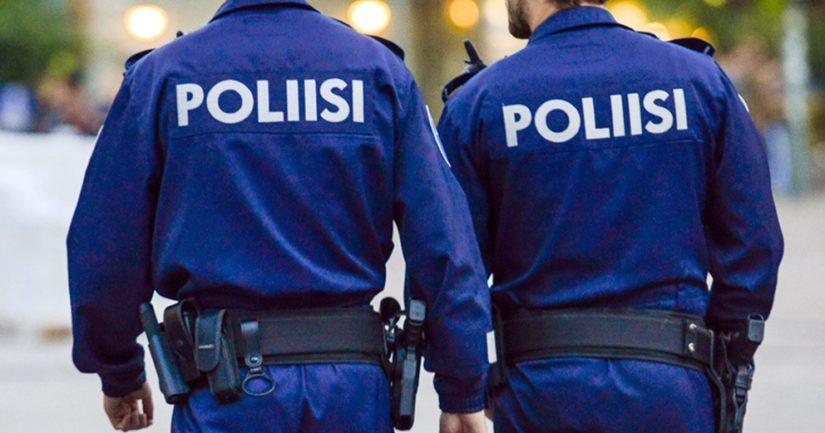 Valvonnan yhteydessä poliisi hävitti noin 800 litraa alkoholijuomia.