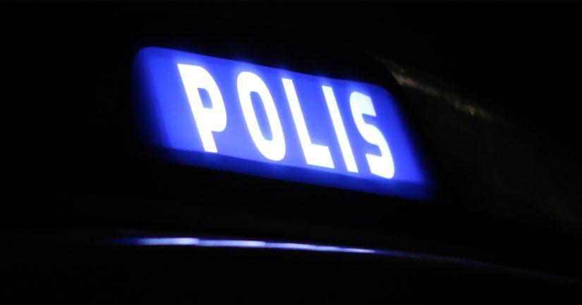 Hätäkeskus antoi poliisille puolenyön aikaan tehtävän, jonka mukaan asuntolasta oli löytynyt kuollut mies.
