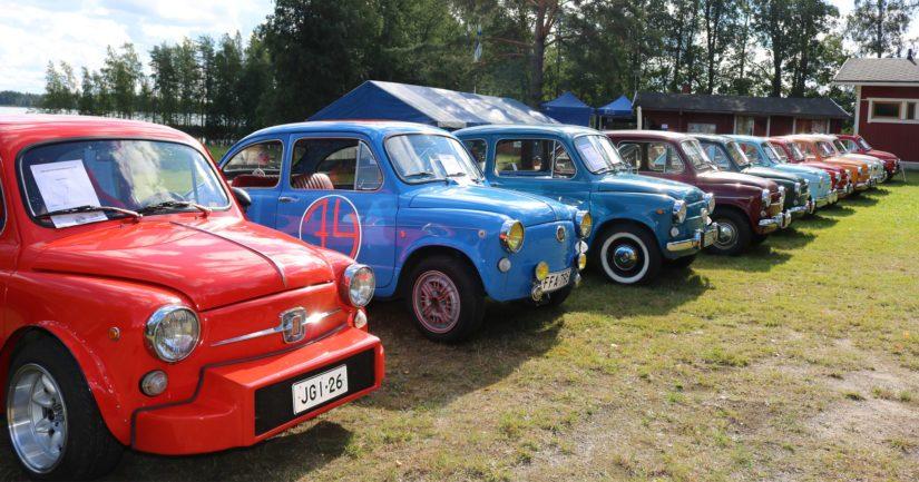 Tällä hetkellä Suomessa on rekisteröitynä nostalgisia Fiat 600 -autoja reilut 920 kappaletta.