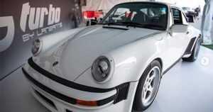 Brittiläinen McLaren-spesialisti sai luvan – rakentaa pienen erän huimia Porsche 911 Turboja