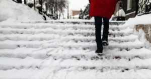 Varaa aikaa, vältä kiire – näin pysyt pystyssä talven liukkailla keleillä