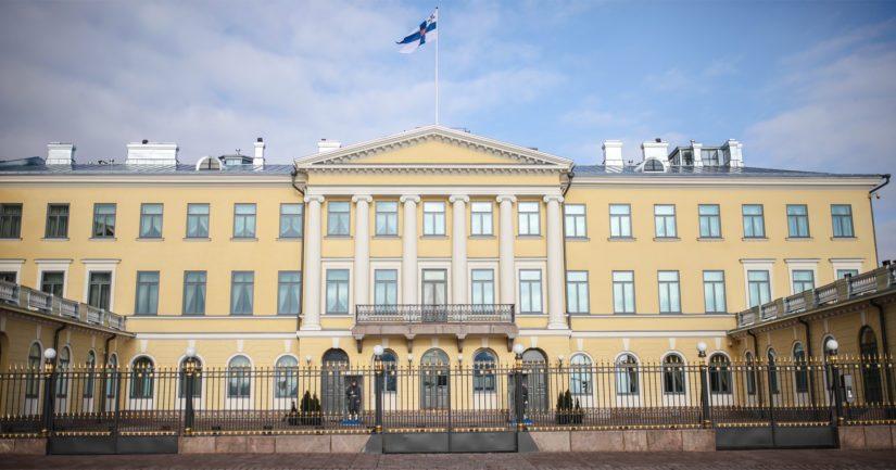 Presidentinlinna valmistui alun perin kauppaneuvos Johan Heidenstrauchin kauppiaskartanoksi vuonna 1820.