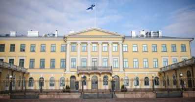 Itsenäisyyspäivää vietetään uudella tavalla – ensivalssin Presidentinlinnassa esittävät Suomen kansallisbaletin tanssijat