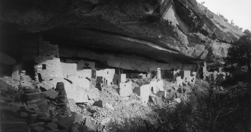 Mesa Verden alueen Chapin Mesassa sijaitsevassa Cliff Palacessa oli jopa yli 200 asuin- ja varastohuonetta. Kuva vuodelta 1891.