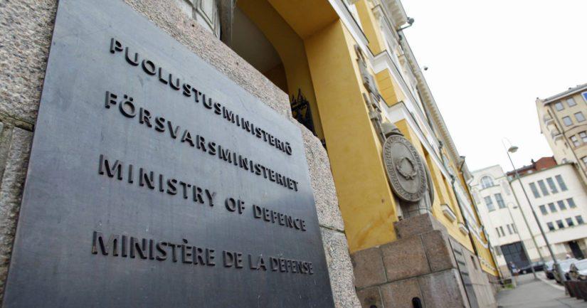 Puolustusministeri Jussi Niinistön mukaan on tärkeää, että sidonnaisuudet ulkomaihin eivät aiheutta haittaa kansalliselle turvallisuudelle.