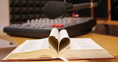 Raamattu kannesta kanteen -radio-ohjelma alkaa alusta – tuotantokausi kestää yli viisi vuotta