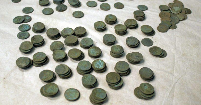 Löydetyt rahat ovat pieniä vaihtorahoja ja poikkeavat siten tyypillisistä kätköistä löydetyistä, arvokkaammista rahoista.