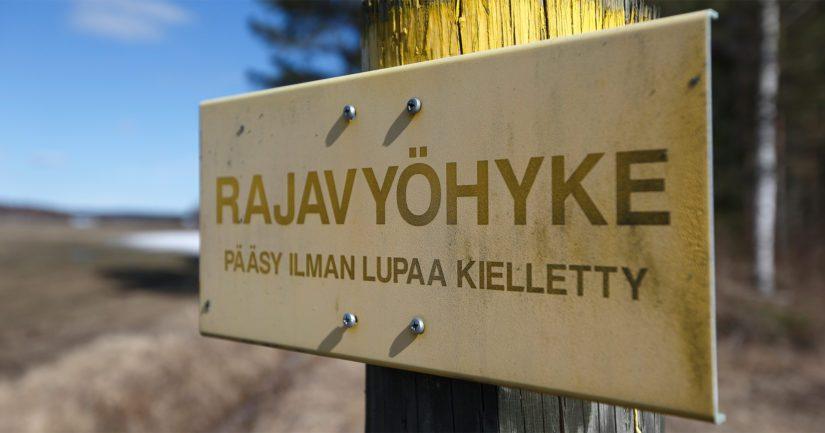 Mieskolmikko käveli Venäjän puolelta illan ja yön aikana maastoitse Suomeen.