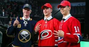 NHL varasi tulevaisuuden tähtiä Dallasissa – kaksi nuorta suomalaiskiekkoilijaa ykköskierroksella