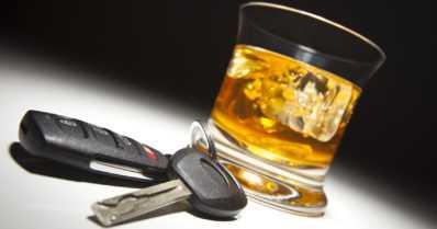 Tammikuussa sattuu vähiten alkoholiin liittyviä onnettomuuksia liikenteessä