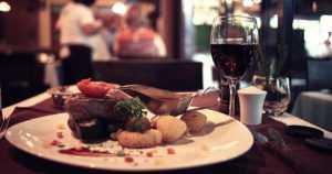 No nyt oli nälkäinen varas – mieheltä löytyi ravintolassa tuhansia lounasseteleitä