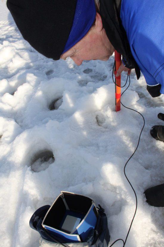 Reino Savukoski on tunnettu pitkäjänteisestä työstään. Veteraanietsijä on löytänyt veden syvyydestä ruumiin, joka on ollut kadoksissa peräti 27 vuotta.