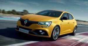 Renault esitteli uuden Megane RS Trophyn – onko etuvetoisten ennätys Nürburgringillä kohta vaarassa?