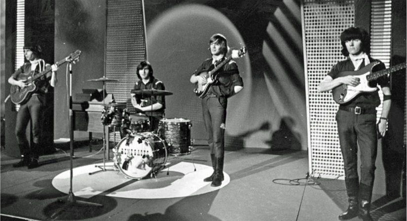 Vuonna 1964 The Renegades esiintyi televisio-ohjelmassa Uudet tuulet.