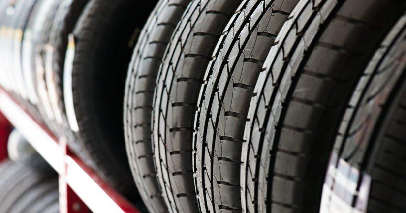 Poliisilla on vuosittain tutkittavana tapauksia, joissa auto- tai rengasliikkeiden piha-alueilla sijaitsevista konteista tai varastoista on anastettu useita kymmeniä rengassarjoja.