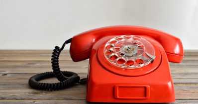 Palveleva puhelin auttoi itsemurhaa hautovia jo 1960-luvulla