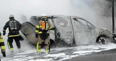 Poliisi ampui, autoja poltettiin, kauppoja ryöstettiin mellakoissa – Ruotsissako rauhallista?