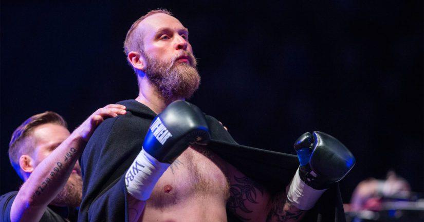 Robert Helenius rakentaa polkuaan jälleen nyrkkeilyn raskaan sarjan huipulle.