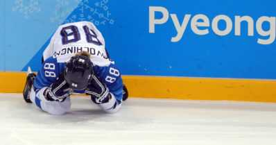 Naisleijonat pelaavat pronssimitaleista – USA rankaisi jäähyistä välieräottelussa