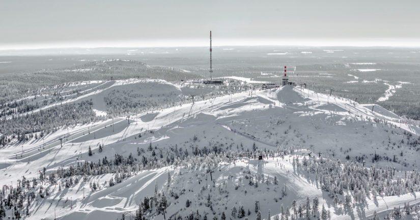Rukan hiihtokeskuksen Mastorinteessä tapahtuneessa onnettomuudessa törmäyksen uhri loukkaantui vakavasti.
