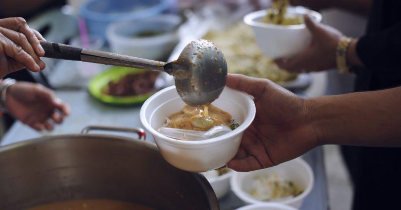Riita syntyi lasten ruokailusta JHL:n lakon aikana – joissain kaupungeissa apu on kielletty, toisissa tervetullutta