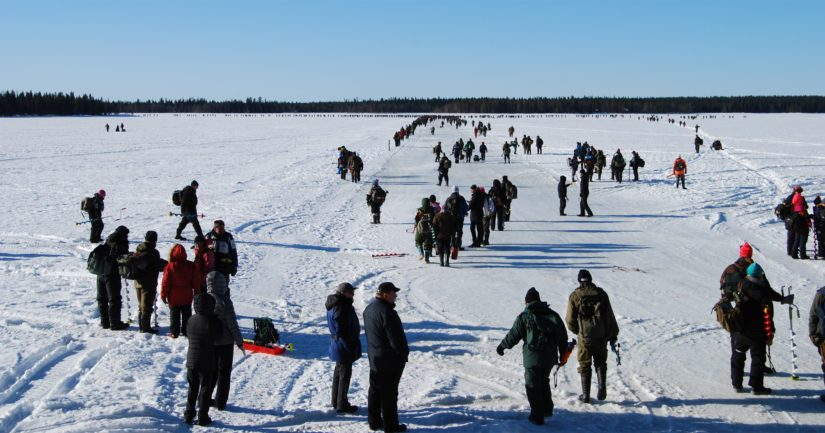 Osallistujamäärä 1 060 pilkkijää Kuusamojärvellä on hyvä saavutus.