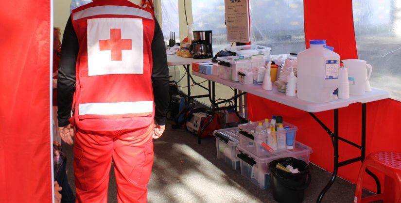 Suomen Punaisen Ristin Seinäjoen osasto on näkyvästi esillä kaupungin eri tapahtumissa. Sen sijaan toiminnan avoimuudessa olisi parantamisen varaa.
