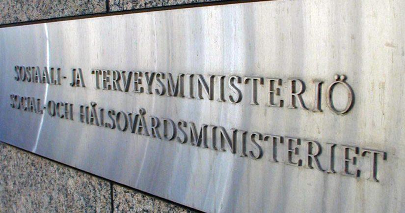 Normaalisti itsenäinen asiantuntijavirasto THL toimi koronavirustiedottamisessa käytännössä sosiaali- ja terveysministeriön alaisuudessa.