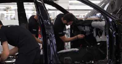 Maailman ensimmäinen super-SUV tulee pian – Lamborghini esittelee katumaasturinsa