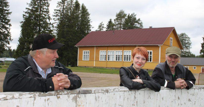 Vaikka Alpua kuuluu nykyään Raahen kaupunkiin, niin Saara Rankinen, Esko Kotila ja Timo Rankinen sanovat kyläläisten elävän kuitenkin omintakeista elämää.