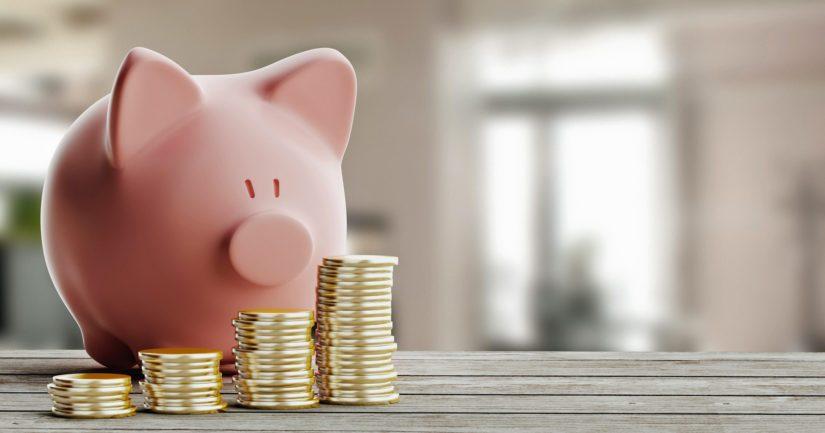 Noin 30 prosenttia suomalaisista kyselyyn vastanneista sanoo säästävänsä merkittävästi vähemmän kuin ennen koronakriisiä.