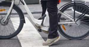 Kesäkelit ja pyörävarkaat saapuivat – sähköpyörien suosio kasvaa myös varkaiden keskuudessa
