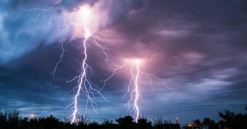 Salamat iskevät ukonilmalla – voiko sähkölaitteet suojata katkaisemalla pääkytkimestä virran?