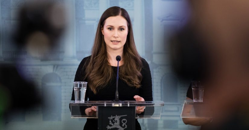 Pääministeri Sanna Marin kertoi hallituksen antavan valmiuslain käyttöönottoasetuksen eduskunnalle tiistaina.