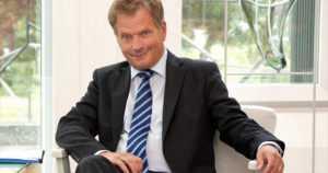 Tasavallan presidentti Sauli Niinistö laski itse palkkiotaan – eikä halua sitä nytkään nostaa