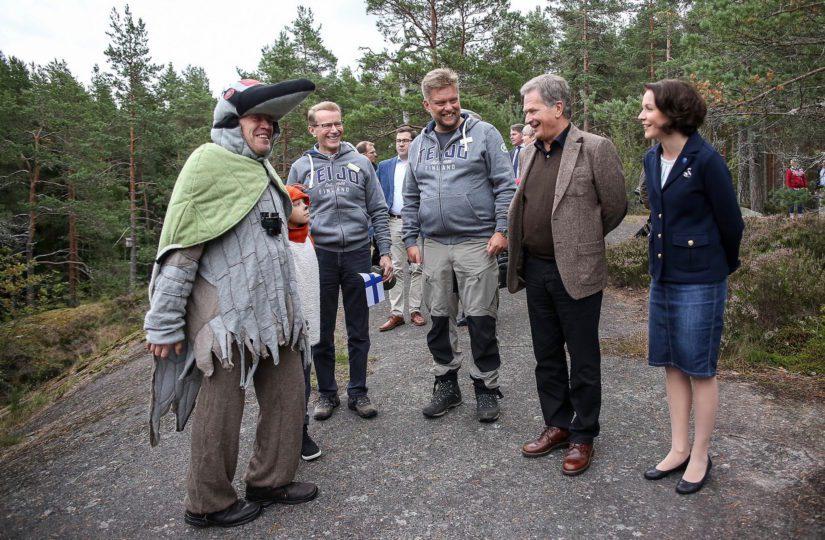 Presidentti Niinistö ja rouva Jenni Haukio juhlistivat Suomen luonnon päivää Teijon kansallispuistossa Salossa.