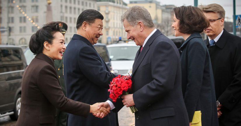 Presidentti Sauli Niinistö ja rouva Jenni Haukio ottivat huhtikuussa 2017 Kiinan presidenttiparin vastaan Helsingissä.