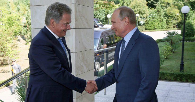 Sauli Niinistö tapasi Vladimir Putinin myös Sotshissa vuosi sitten.