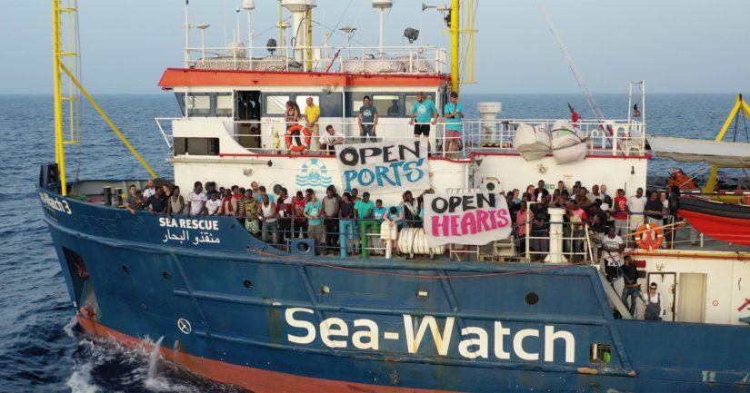 Lambedusan saaren satamassa olevalla Sea Watch 3-aluksella on noin 40 Libyan rannikolta pelastettua siirtolaista
