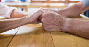 Yhteiskunnan korvaamaton voimavara – paljon jäisi tekemättä ilman ikääntyviä vapaaehtoisia