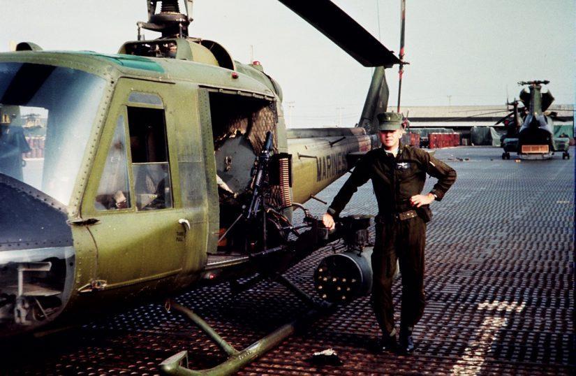 Suomalaispilotti lensi USS Iwo Jiman lentotukialukselta UH1E-rynnäkkökoptereilla.