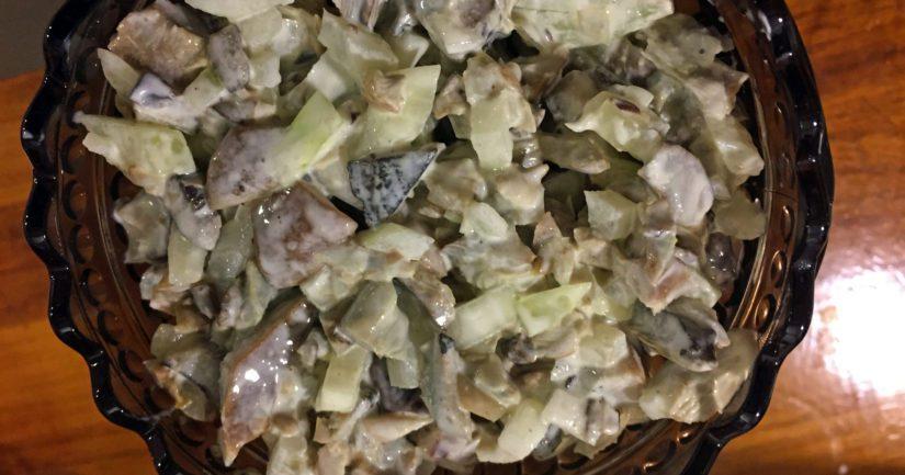 Raikas sienisalaatti on päätynyt mariskooliin, kotimaisuusaste on korkealla!