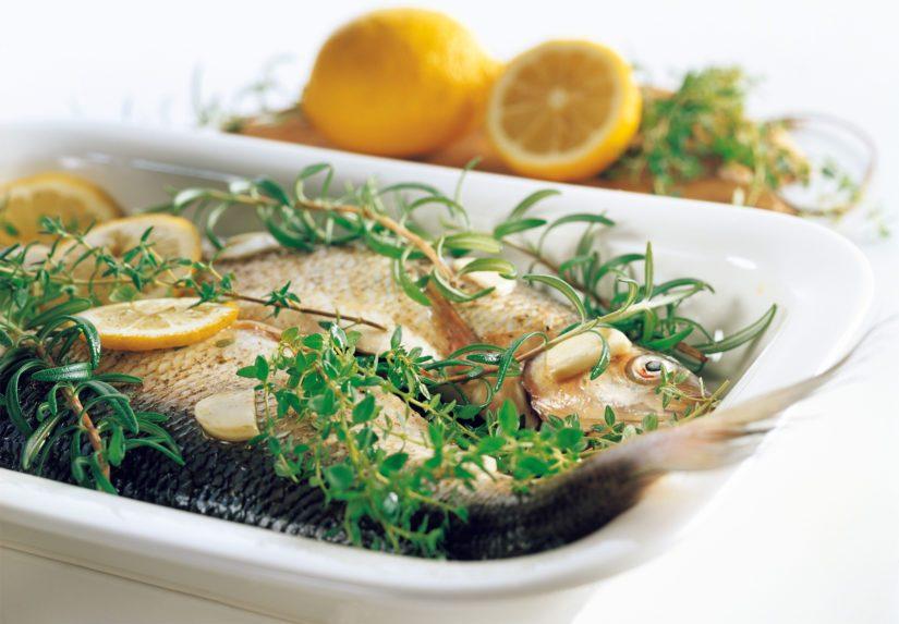 Tarjoa siian lisäkkeeksi esimerkiksi höyrytettyä tai vokattua kurttukaalia tai muita kasviksia ja leipää.