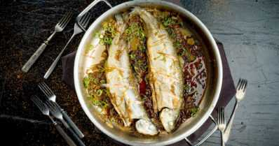 Apua keittiöstä pahimpaan matkakuumeeseen – maailmalta löytyy useita herkullisia kalaruokia