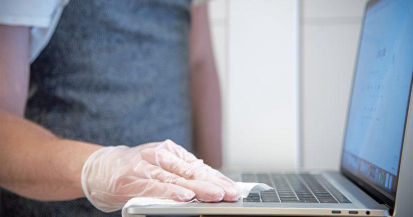 Siivoussopimuksiin eivät tyypillisesti sisälly esimerkiksi tietokoneiden näppäimistöt ja kosketusnäytöt.