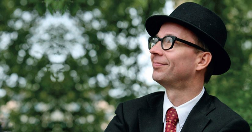 Simo Frangén arvelee huomionosoituksen syyksi sen, että hän on vuosikymmenien ajan nostanut esille oluen juomisen ihanuutta.