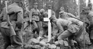 Sota näytti julmimmat kasvonsa viattomille uhreille – partisaanit iskivät nukkuvaan Seitajärven kylään